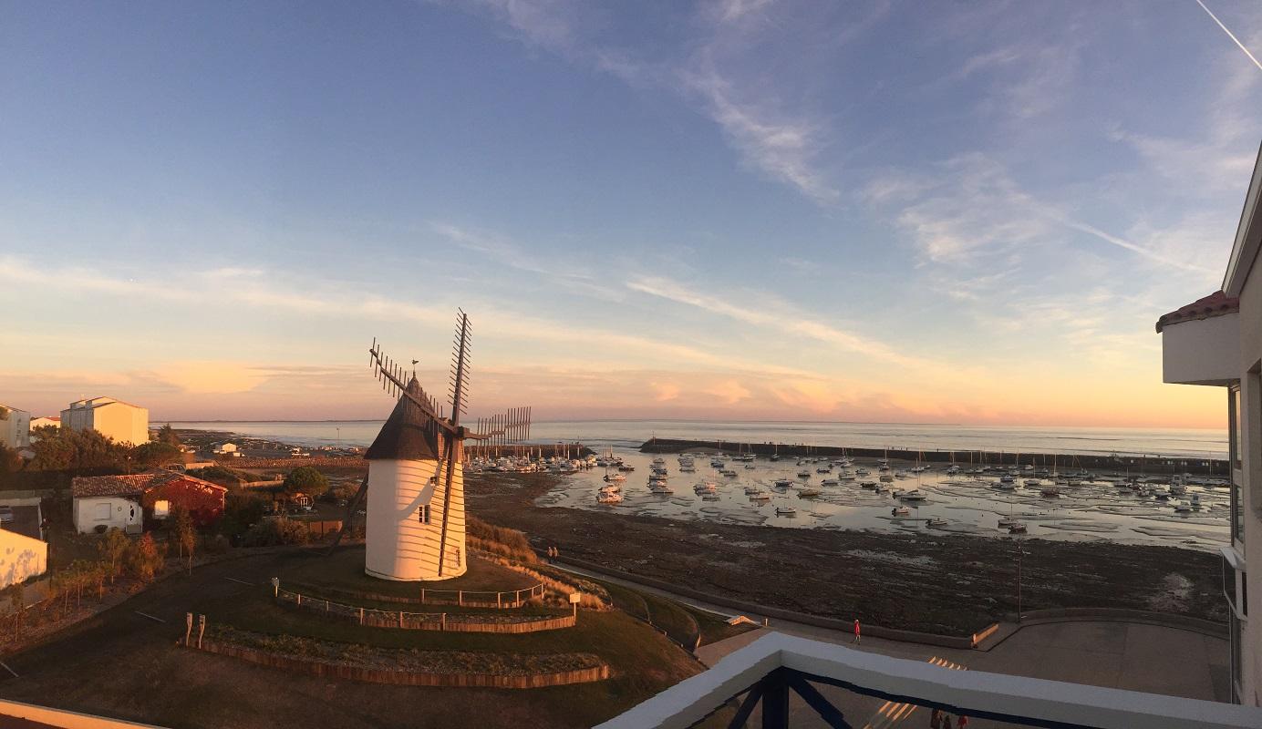 coucher de soleil sur le moulin vu du balcon